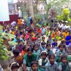 bambini sostenuti Tsunami