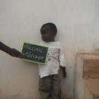 bambino sostenuto a Toubab Dialaw1