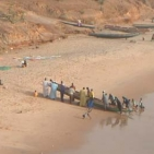 ritorno a riva dei pescatori di Toubab Dialaw