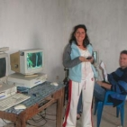 volontari che hanno messo in piedi l'internet point