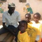 bambini sostenuti toubab dialaw